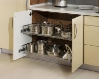 Výsuvné police do kuchyně